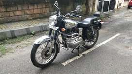 2009 Royal Enfield Machismo 500cc. Excellent for long rides.