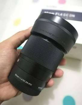 Lensa Sigma for Sony 30mm F1.4 muluss
