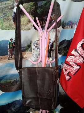 Sling Bag Polo Kulit