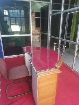 Office in main market 450sqft
