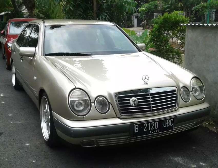 Mercedes Benz E230 Mulus Nego 0
