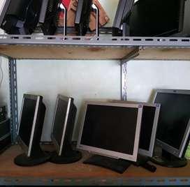 """Lebih hemat monitor pc komputer bergaransi 15"""" kotak"""