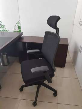 Black aveo office chair with bill