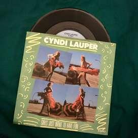 Vinyl / Piringan Hitam Cyndi Lauper