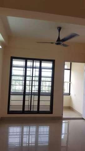 Edappally Near Anjumana Temple 3 Bedroom Flat For Sale (5 Year Old)