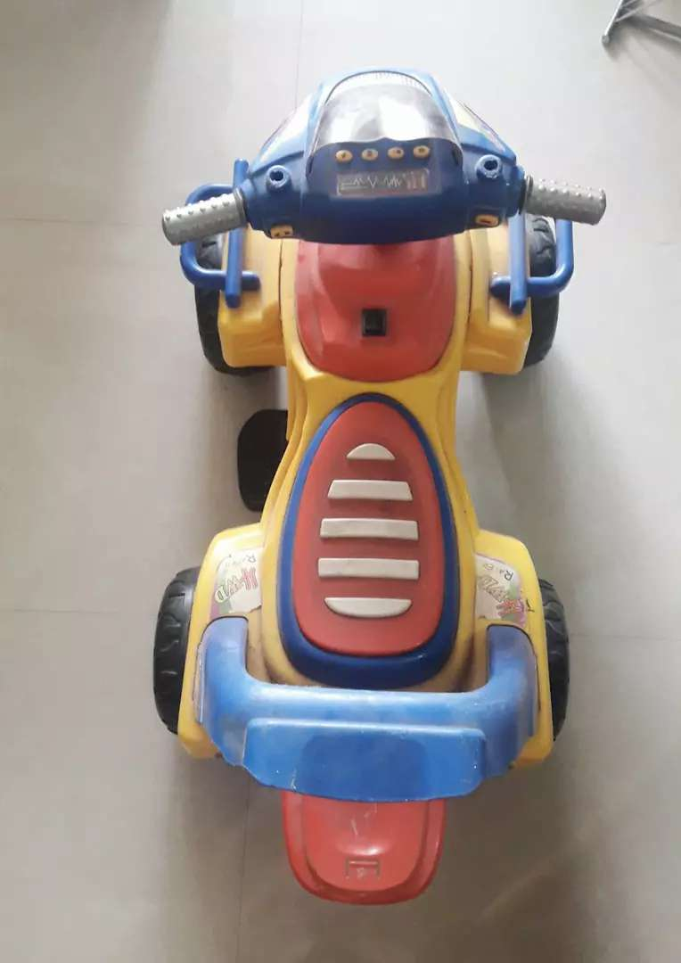 Battery Operated Car. 0