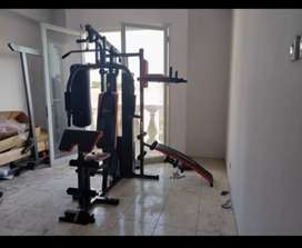 peralatan fitness homegym