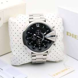 Branded Men's Watch At Discounted Price