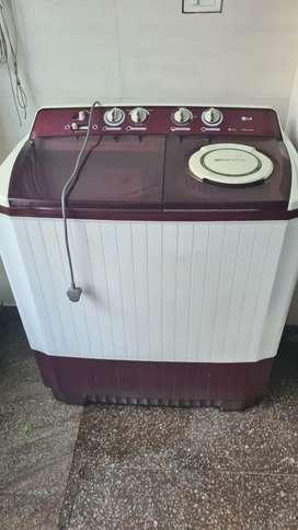 LG P1561R3S Semi-automatic Washing Machine (9.5 Kg, Burgundy)