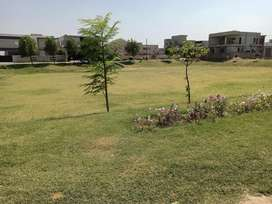 One kanal  approved facing park possession plot available for sale