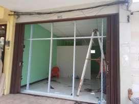 Partisi kaca dan Folding gate