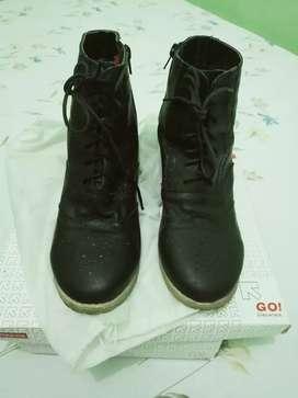 Sepatu boots merek tracce UK 39.40