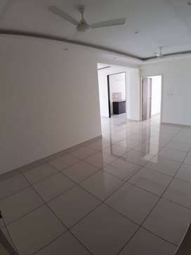SPACIOUS 3 BHK APARTMENT NEAR 7 NO. BUS STAND.
