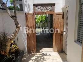 Dijual Villa full furnish Beachside Sanur lengkap dengan Swimming pool