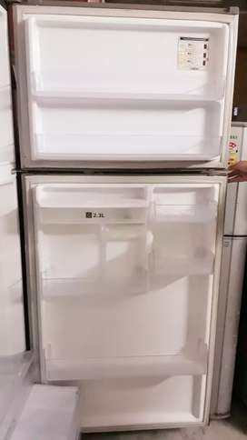 Well condition fridge 500 litres