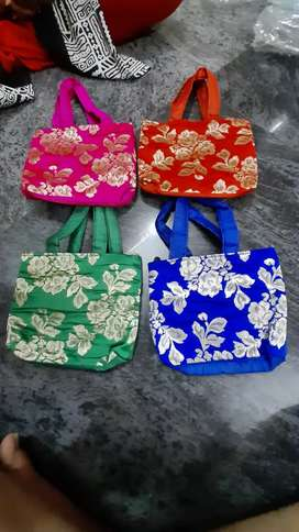 Hand bags Multicolored 300 Numbers Available