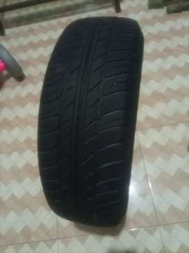 Toyota Corolla tyre for sale 195/65/15 good condition.