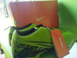Jual sepatu bola#nike#mercurial#no 42/43*masuk#new#hijau#jarang ada