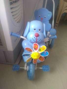 Kids tri-cycle