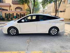 Toyota Prius now u get on just 20% Downpayment