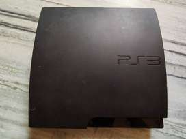 Sony PS3 (Play Station 3) 320 GB + wireless controllers + 2 games
