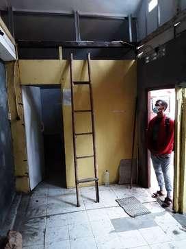Rumah kecil dimalioboro /gudang