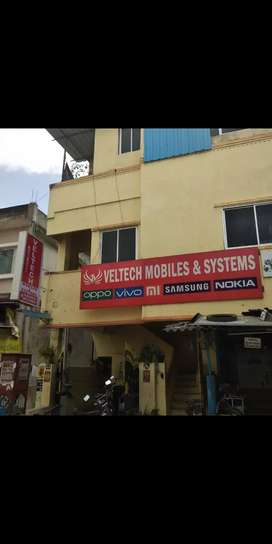 Need receptionist(male)for mobile service center