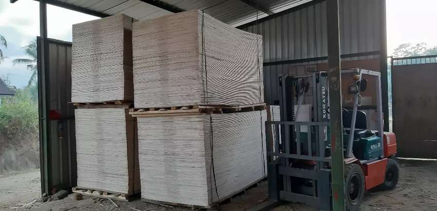 Jual Plywood (triplek, multiplek) 8mm 0