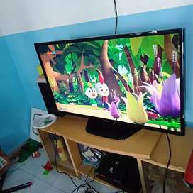 Dijual LED TV LG 42 inch normal mulus hdmi USB movie vga pc Remot ORI