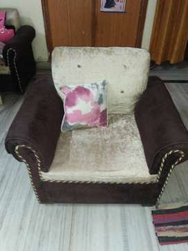 Semi new branded sofa Set 3+1+1