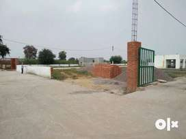 %Plots available in best location of the city.%