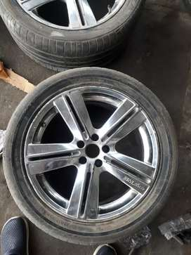 17 inches crome Alloy wheels