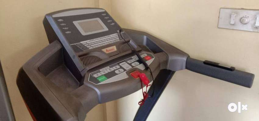 Motorised Treadmill GYMTRAC T 680