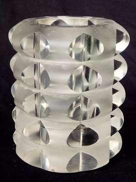 Vas crystal..Ronel thal, studio linie