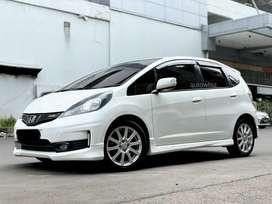 Honda Jazz Rs AT 2013 Km Low Service Record