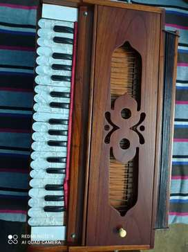 Harmonium 1 year old with good conditions