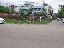 Kda freehold 600 Gaz corner plot in very posh area