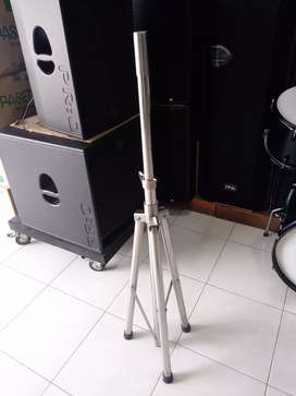 stand speaker bahan stailes