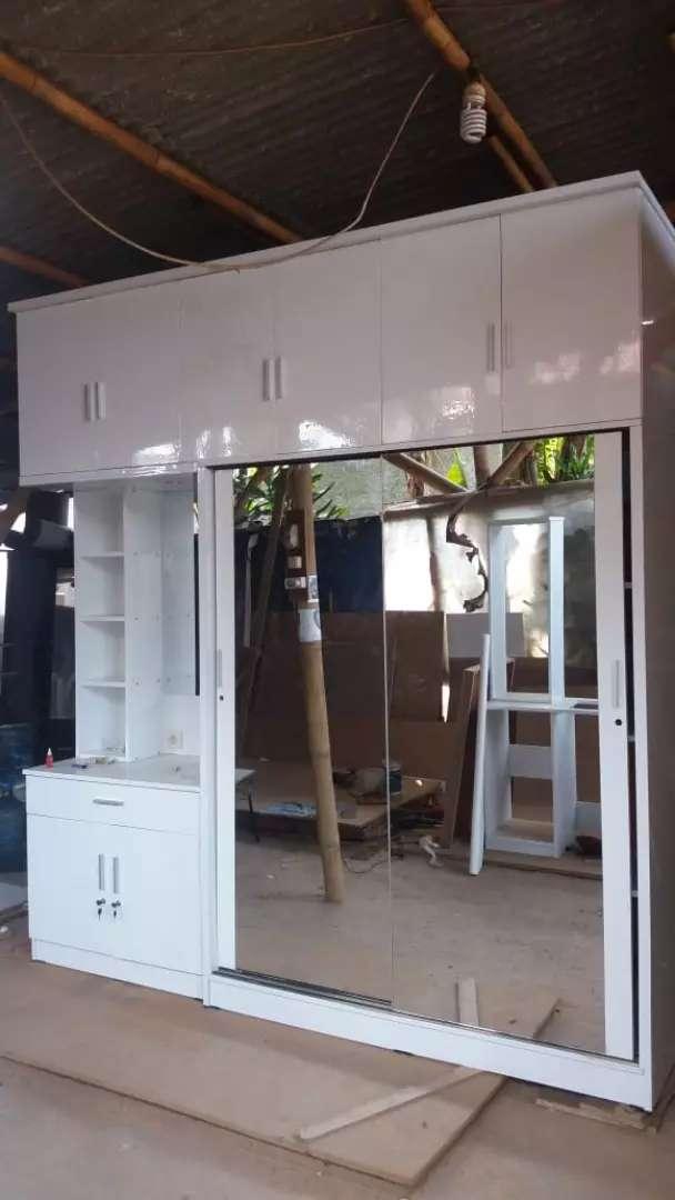 Interior custom Lemari sleding pintu 2 kaca cerminJumbo Bermeja Rias 0