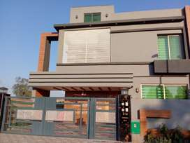 1 KANAL HOUSE FOR RENT IN BAHRIA TOWN  LAHORE.