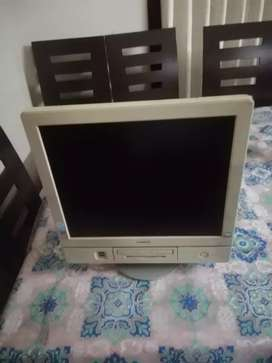 All in one (lcd or cpu) HITACHI BRAND