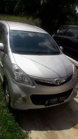 Toyota Veloz pemakaian 2013 Automatic Jual Cash