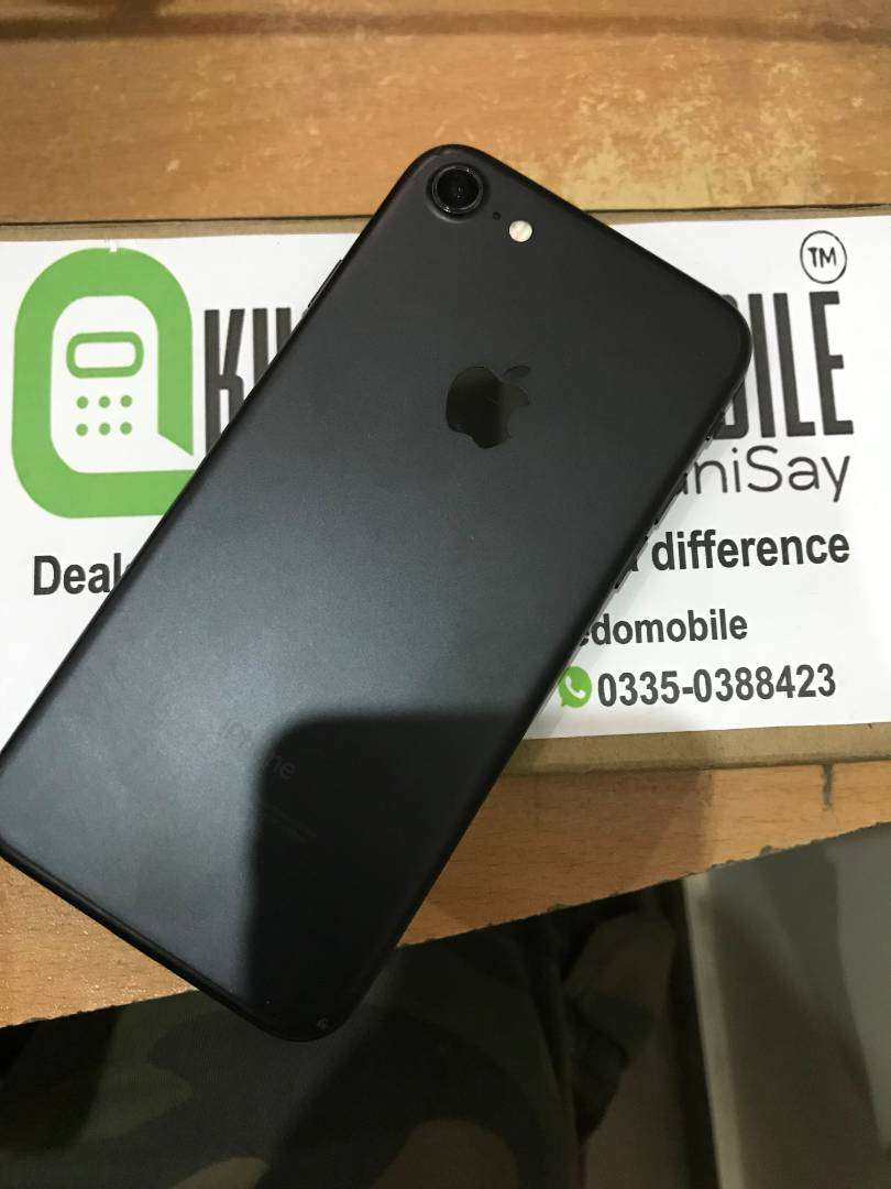 Iphone 7 128Gb PTA APPROVED FACTORY UNLOCK 0