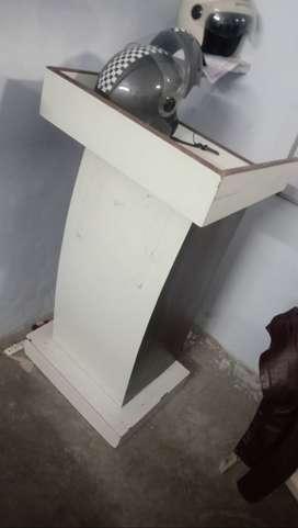 2 podium,2 white board 7000 rs