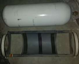 Cultus CNG Cylinder with Stand In Excellent Condition