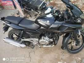 GOOD CONDITION PULSAR 220CC FOR SALE