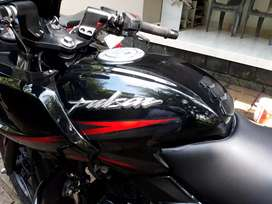 Pulsar 220 (only 1 year old, less kilometer, new insurance)