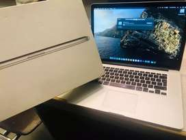 MacBook pro Retina display 65 cycle.. used 2015mid core i7 excellent