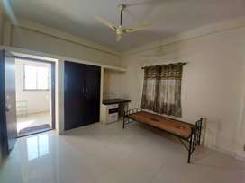 Single room for rent 4000