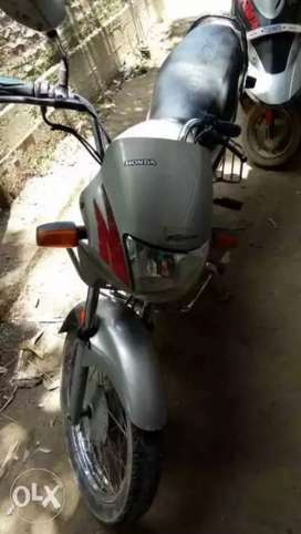 I sell my bike very good condition mileage 60 km per litter